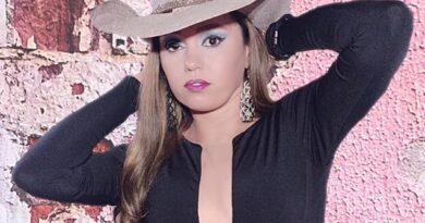 Cantora Leka Rodrigues faz hoje a sua Live de aniversário.