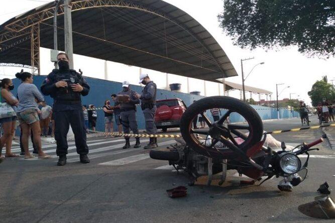 Acidente entre moto e carro mata empresário em Vila Velha -ES.