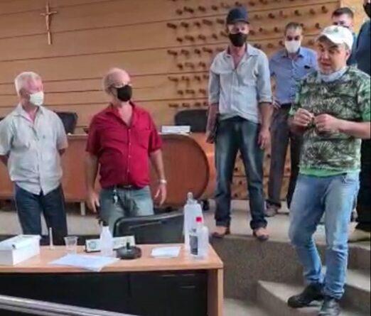 PSC faz convenção tumultuada em Itaguaçu e retira Filin Teixeira da disputa para prefeito.