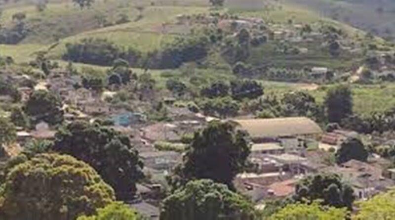 Produtores davam água tratada da Cesan para o gado beber e não pagavam em B. São Francisco-ES.